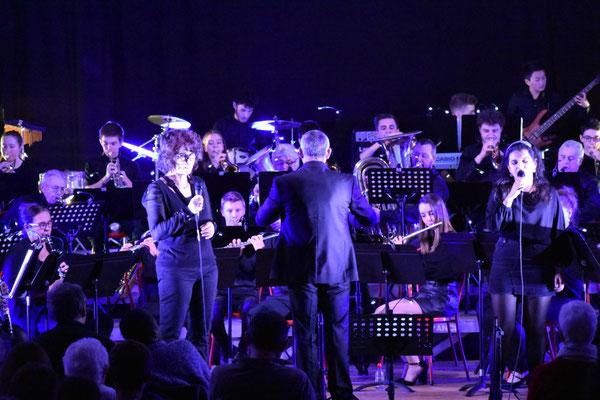 Accompagné par Christine Girard et Félicie Gouyer au chant