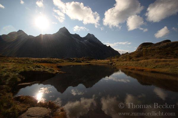 Spiegelungen am Steinsfjord.
