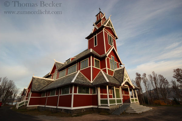 Die Kirche von Busknes.