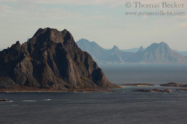 Lofoteneiland vor der norwegischen Festlandsküste.