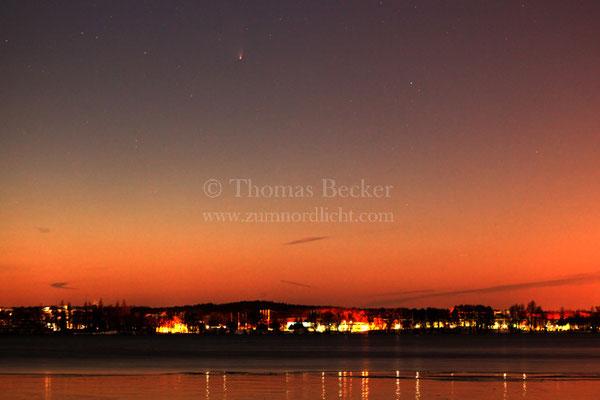 Komet Panstarrs in der Abenddämmerung - A35