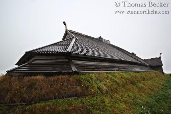 Nachbildung eines Häuptlingshauses im Wikingermuseum in Borg.