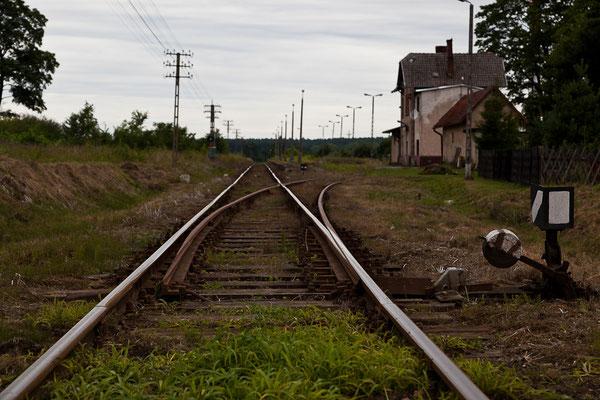 Polen - unterwegs an einem abgelegenen Bahnhof