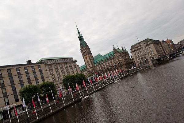 Hamburg - mit dem Rathaus
