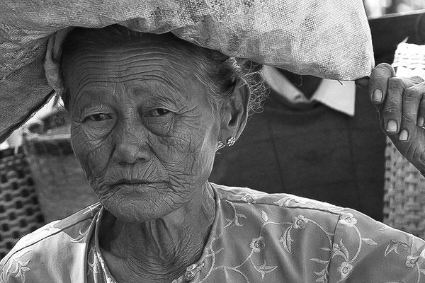 Myanmar people - alte Frau