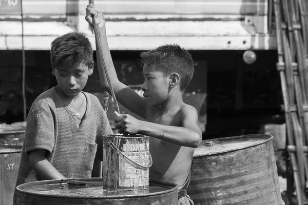 Myanmar people - arbeitende Kinder