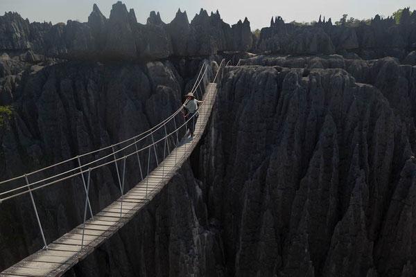 Nationalpark Tsingy de Bemaraha - auf einer der Hängebrücken