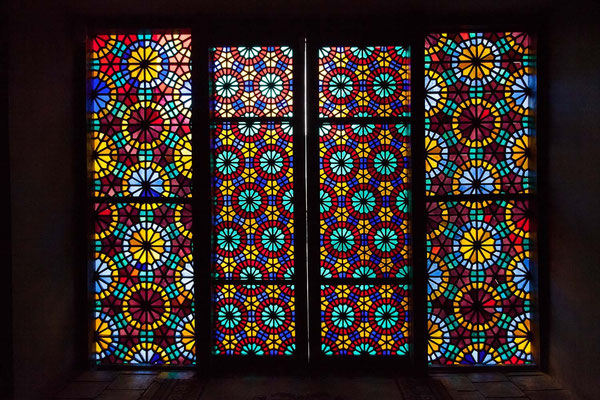 Azerbaijan - Die bunten Glasfenster im Khan-Palast in Sheki