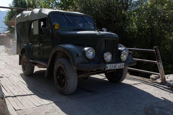 Azerbaijan - In den Strassen von Lahij