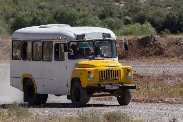 Azerbaijan / Aserbaidschan - Personenbus in der Nähe von Ordubad in der autonomen Republik Nakhchivan