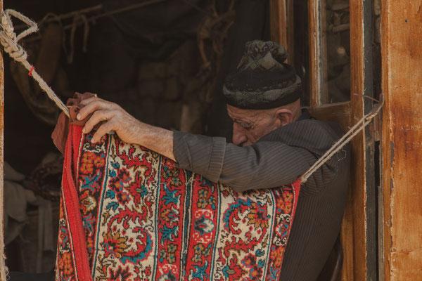 Azerbaijan - Mittags-Schläfchen in Lahij