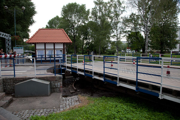 Polen - Drehbrücke handbetrieben!