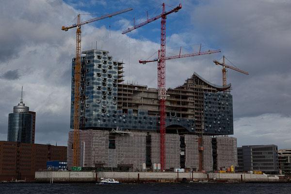 """Hamburg - Die Elbphilarmonie - die """"Never-ending-Story"""" Hamburgs ..."""
