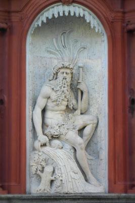 Figur des Flussgottes Moenus, Würzburg.
