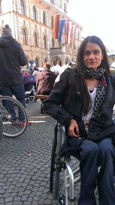Besuch einer Rollstuhlfahrerin in Weimar