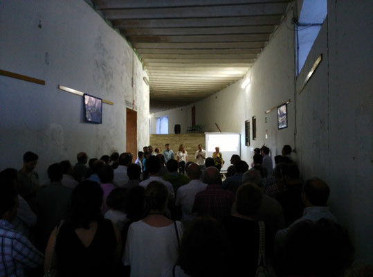 presentación en la galeria de la Caprichosa
