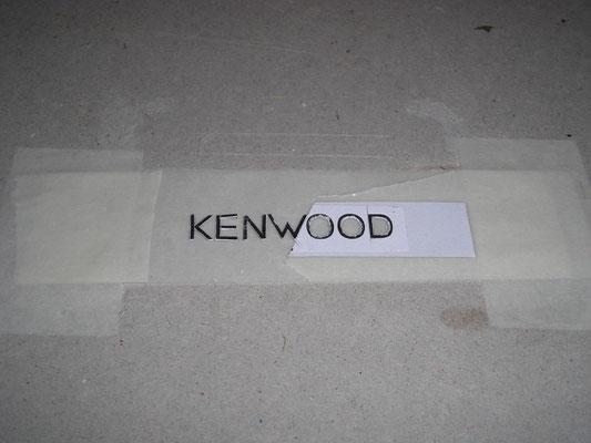 KENWOOD Aufkleber waren aus Silberfolie und von innen angebracht