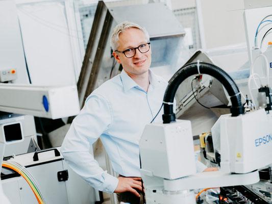 Baden Wuerttemberg Sondermaschinenbau Lohnfertigung Metallbearbeitung Abisolierung Kabel Crimpvollautomat Lohnfertigung Auftraege Voll Timo