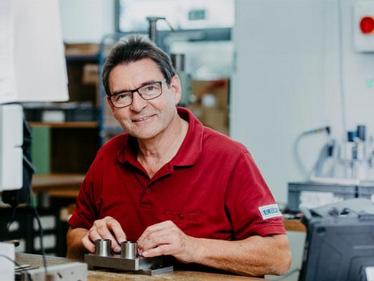 Kurt Betz GmbH Automatisierungstechnik Lohnfertigung Metallbearbeitung Sondermaschinenbau Unternehmen Jobsuche Crimpen oder loeten Renner Bernd