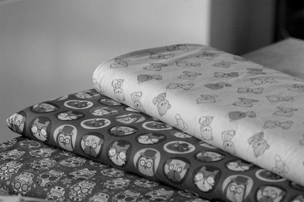 Tissu Emballage qui Voyage Noir et Blanc