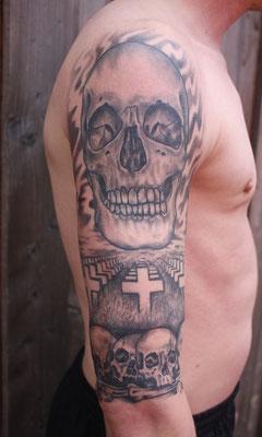 """Schädel und Metallica Cover """"Master of Puppets"""" tätowiert von Burns Seiken bei TNT in Marl   Tattoo done by Burns Seiken"""
