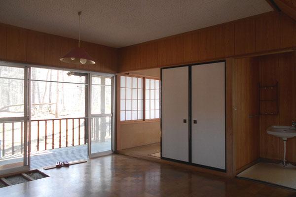 キッチンを計画した部分は、もとは4畳半の和室であった。