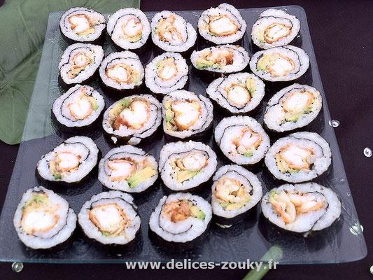 Maki aux crevettes & surimi avocat
