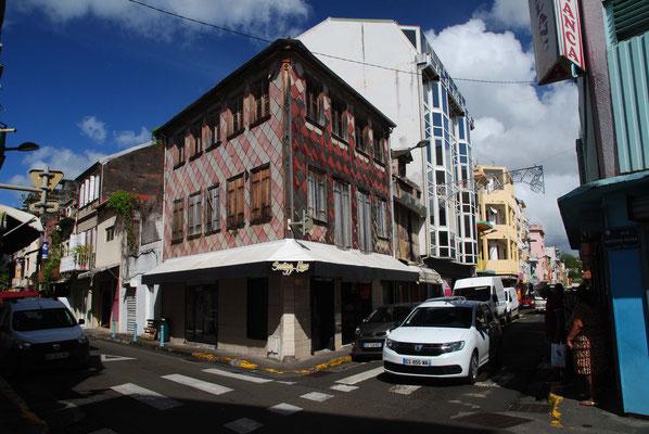 viele kleine Straßen und oft eine eigenwillige Architektur