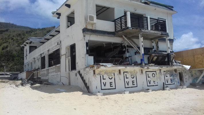 LOVE, eine tolle Bar und Pizzeria - vor Irma