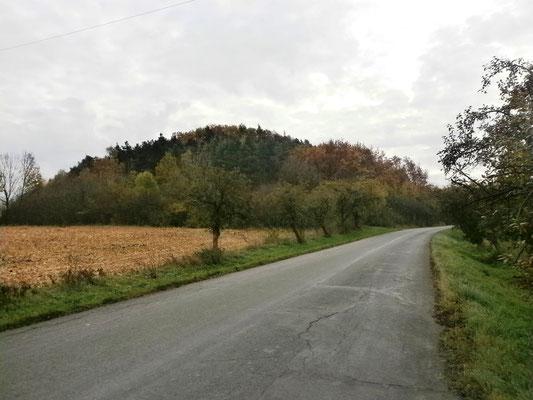 Der Hügel von Mokoschin, Tschechien. Foto: Dr. Baal Müller