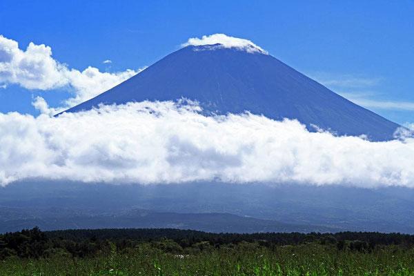 9月4日 9:24 山梨に出向く途中で朝霧高原からの景色です。