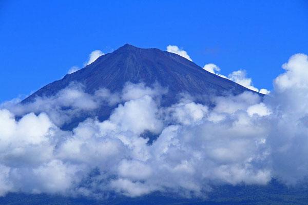 9月11日 10:08  時間をずらすと、雲の様子が変わります。