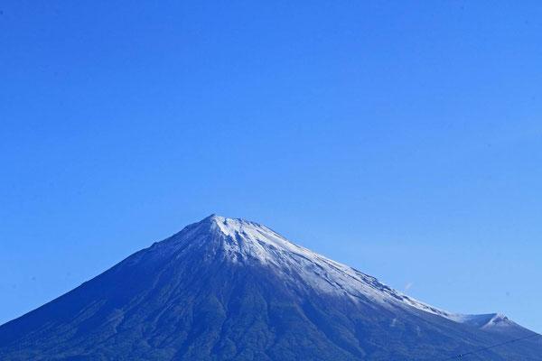 9月28日 7:30 いよいよ、富士の雪化粧が増してゆくでしょう!