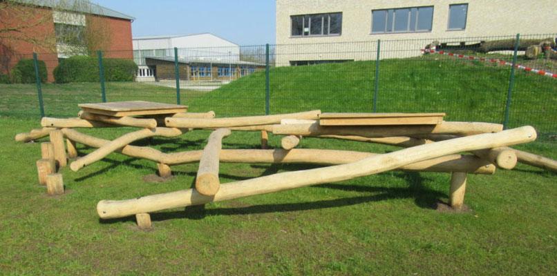 Baumstammmikado zum Sitzen oder Balancieren
