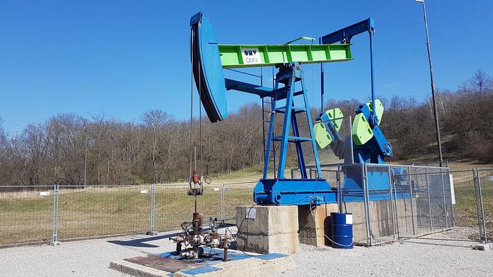 Highlight des Pfades ist dann eine Ölförderanlage, welche man direkt aus nächster Nähe sehen kann.