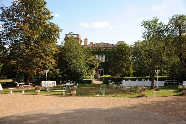 Château du Calaoué©, cocktail devant l'Orangerie
