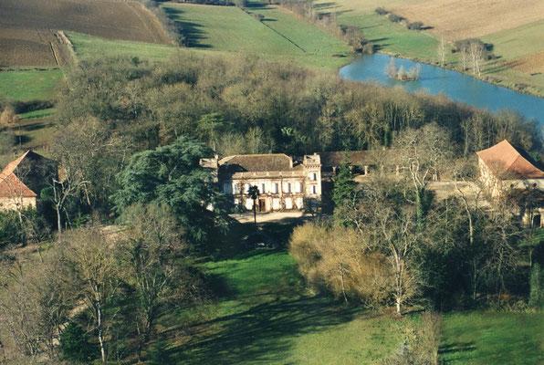 Château du Calaoué© vue aérienne en hiver