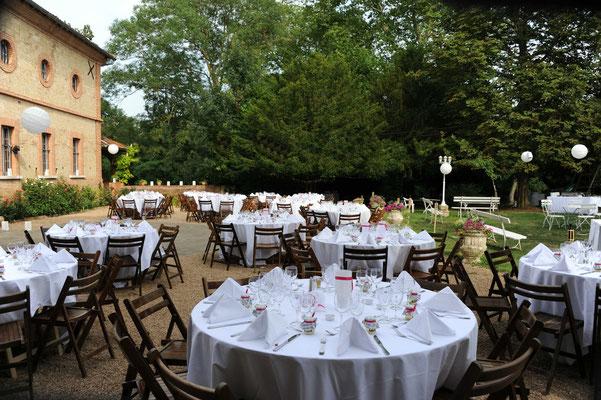 Château du Calaoué©, dîner devant l'Orangerie