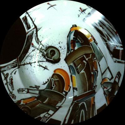"""""""Idols 3"""" , D-30cm,porcelain, overglaze painting,2012"""