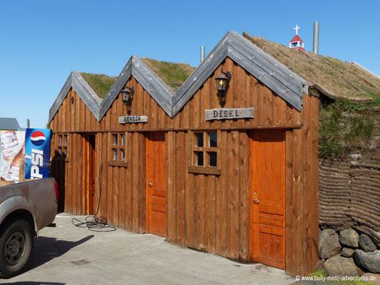 Island - Tankstelle bei Fjallakaffi