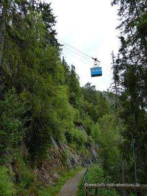 Norwegen - Wanderweg Ryes vei in Rjukan - Blick auf Krossobanen