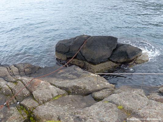 "Färöer Inseln - Eysturoy - ""Rocking Stones"" in Oyndarfjørður"
