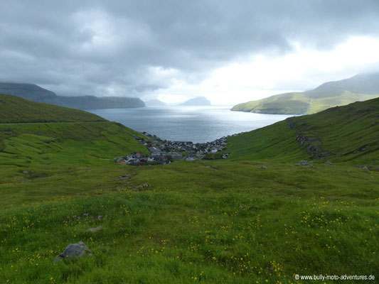 Färöer Inseln - Streymoy - Blick auf Válur