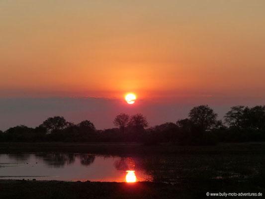 Botswana - Sonnenuntergang im Okavango Delta