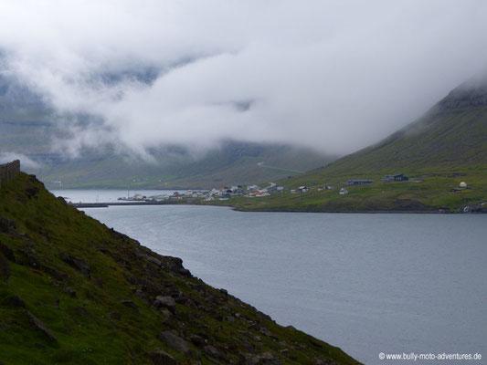 Färöer Inseln - Viðoy - Hvannasund - Blick auf Norðdelpi