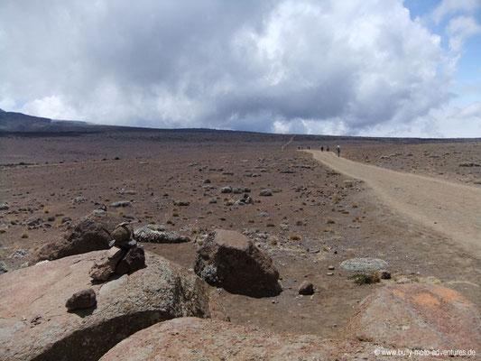 Tansania - Besteigung des Kilimanjaro - Marangu Route - Lavawüste