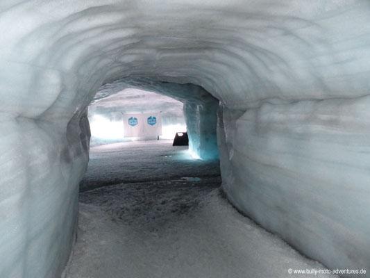 Island - Into the Glacier
