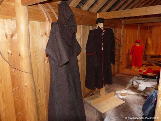 Grönland - Brattahlíð - Langhaus-Rekonstruktion - Kleidung der nordischen Siedler