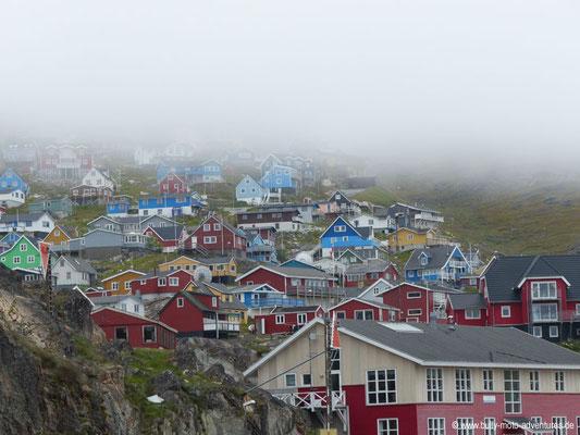 Grönland - Bunte Häuser in Qaqortoq