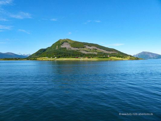 Norwegen - Straße Fv17 - Landschaftsroute Helgelandskysten - Fährfahrt